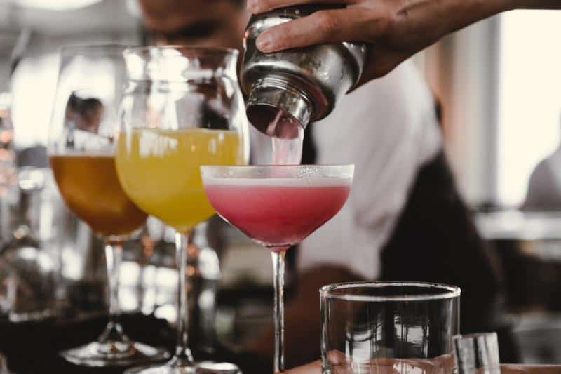 serving-alcohol-party