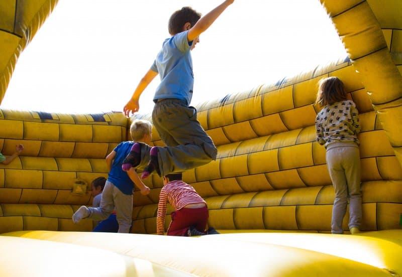 kids-bounce-house