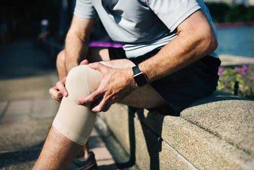 knee-brace-injury